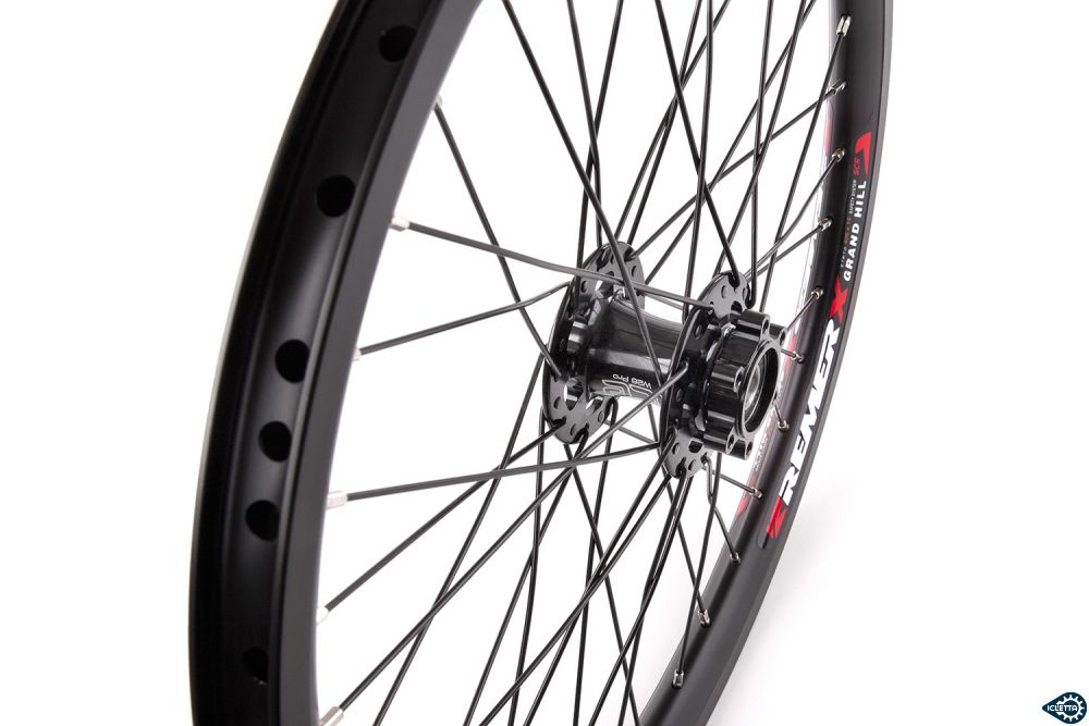 Front wheel for single side axle carrier 20 inch for disk brake, black, right side
